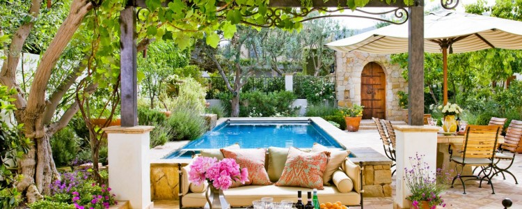 7 Tips to Enjoy Your Outdoor Living Space this Summer